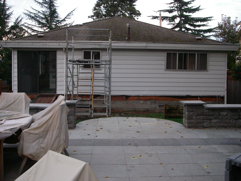 Original Mavis house before remodeling